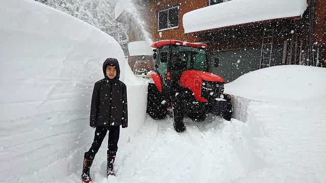 屋根の雪下ろしや除雪作業